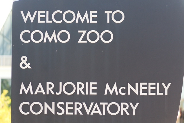 A sign from Como Park Zoo